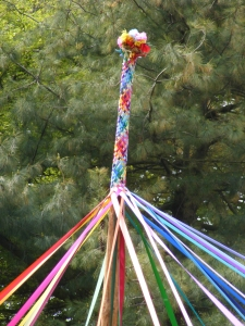 maypole-top