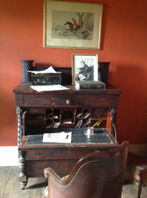 antique-desk